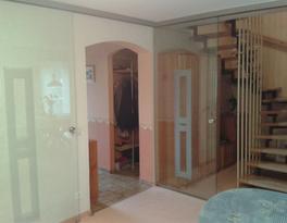 Glas, Trennwände und Türen