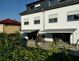 geöffnete Erhardt - Markise in Dromersheim